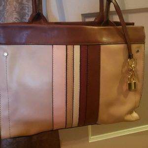 London Fog Classic Purse